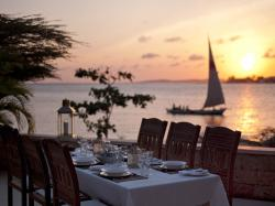 Dinner_at_sunset-4aec0751c885c829232b815dff1d3632.JPG